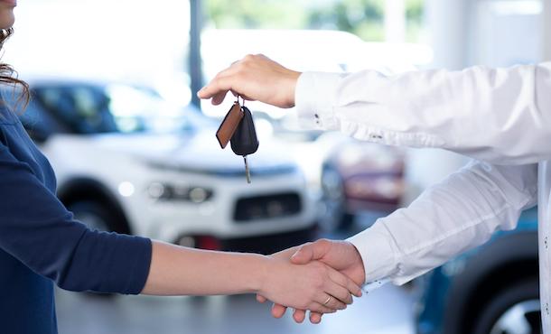 doctor glass - mercato auto giugno 2020 - copyright shutterstock_1162389229